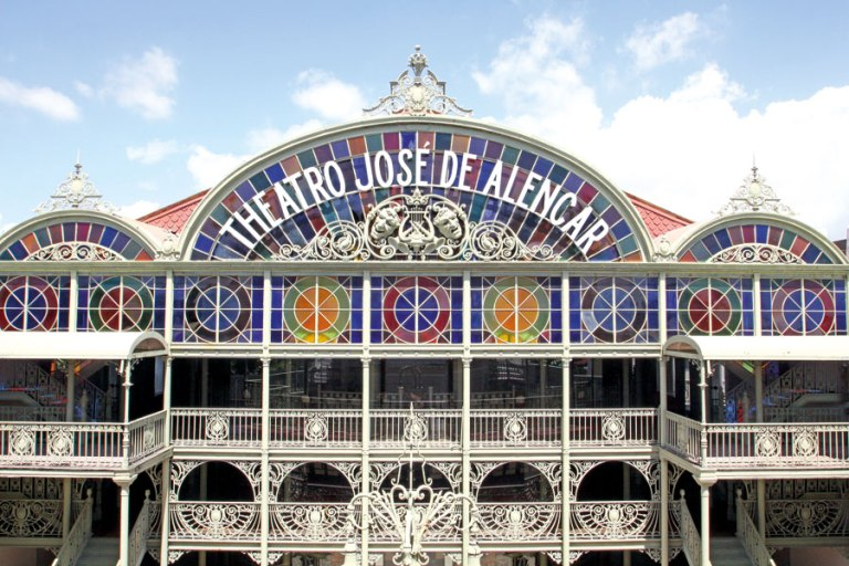 via http://www.anuariodefortaleza.com.br/conhecendo-fortaleza/as-casas-de-artes-e-literatura-e-a-formacao-do-ser-sensivel.php